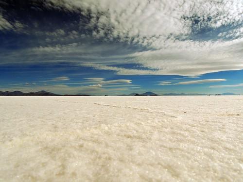 travel nature landscape desert salt bolivia bandera uyuni gezi americadosul bayrak tuzgölü tuz çöl güneyamerika