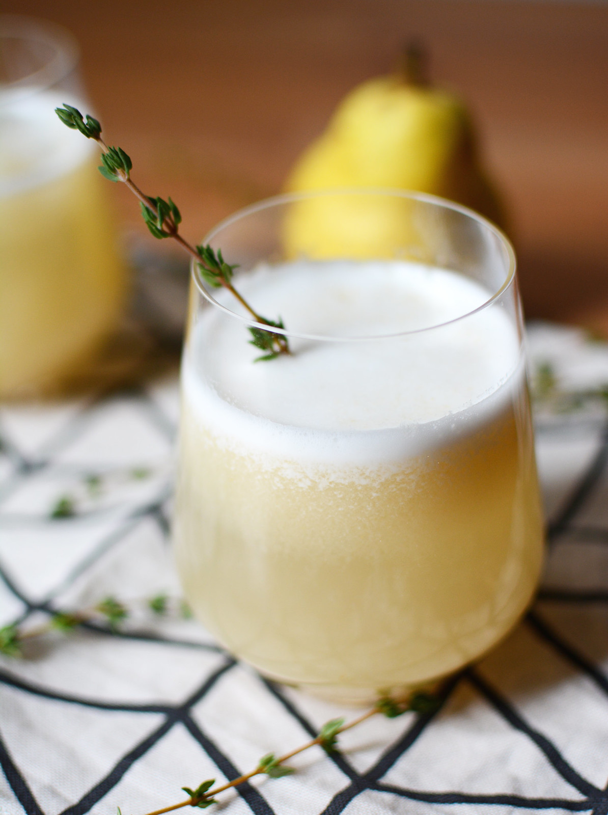 Thyme-Pear-Cocktail_2