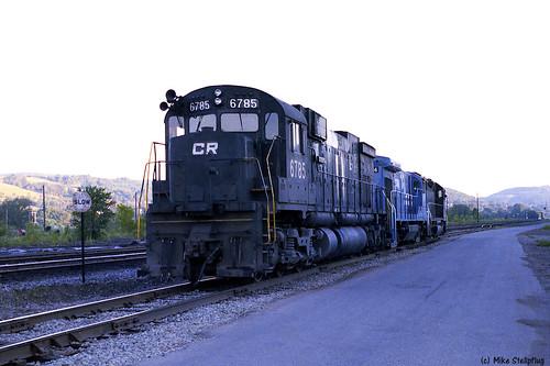 cr conrail alco kodacolor100 hornellny fallenflag c636 alcolocomotive alcoc636 southerntierline penncentralheritage westernnewyorkrailroads earlyconrail newyorkssoutherntier conrail6785 3builderlashup cr6785