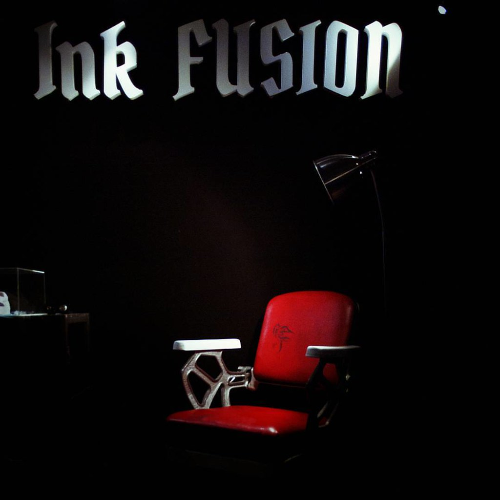 Ink Fusion + red chair  #Tatooconvention #Red #Tatoo #Black #Light #Milano #Chair. #igersmilano