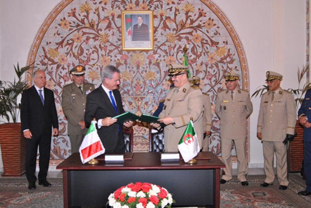 الصناعة العسكرية الجزائرية مروحيات [ AgustaWestland ]  28840219111_ea9041f407_o