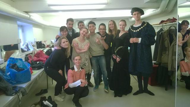 Teater svenska rummet cast