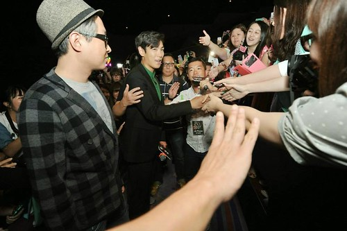 top-with-fans-tazza-hong-kong_20140927(4)