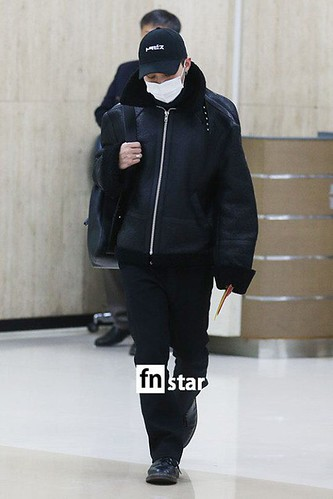 BIGBANG (wout Seungri) arrival Seoul Gimpo from Beijing 2016-01-02 (33)