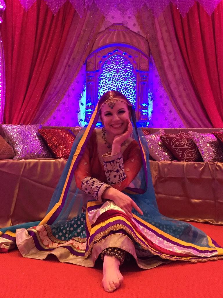 SA bridal showcase dot mujra sitting