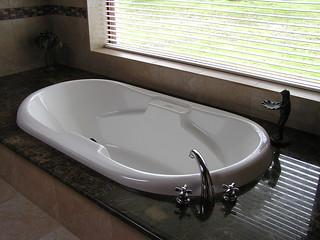 San Miguel - masterbath tub - 13FEB12 002