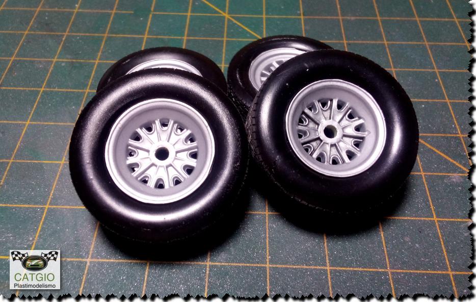 Shelby Cobra S/C - Revell - 01/24 - Finalizado 24/04 - Página 2 16604481884_35ec989ebe_o