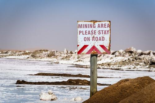 Exploitation minière zone : restez sur la route