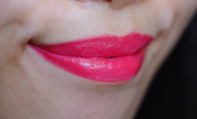 MAC Petite Red lip swatch