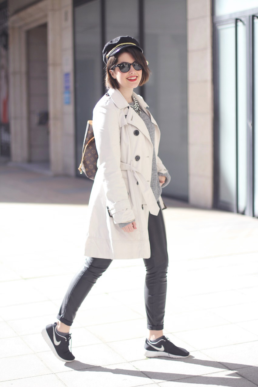 Spring-look-with-trench-rosherun-nike-sneakers-streetstyle