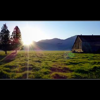 Sunrise 'cross tha Prairie this morning...