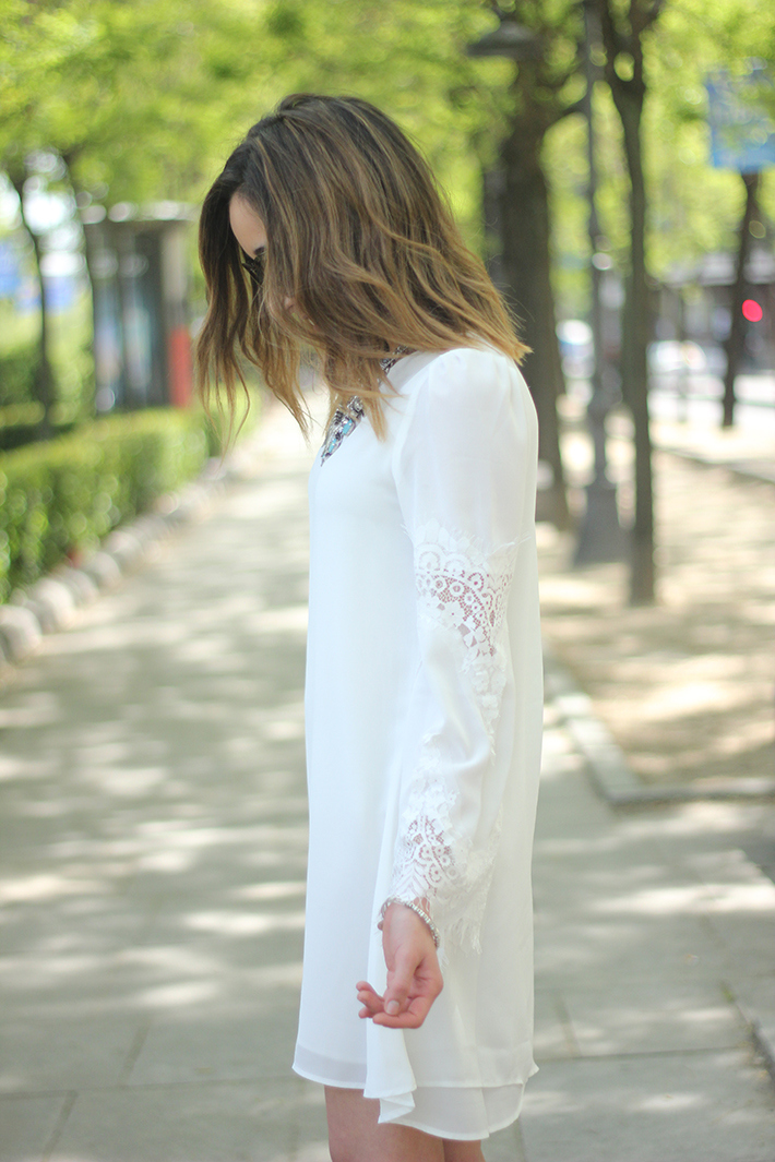 white dress with lace sleeves10