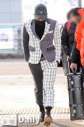 Tae Yang - Incheon Airport - 09jan2015 - TV Daily - 06