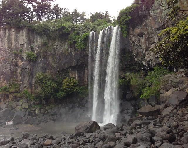 Jeongbang Waterfall up close
