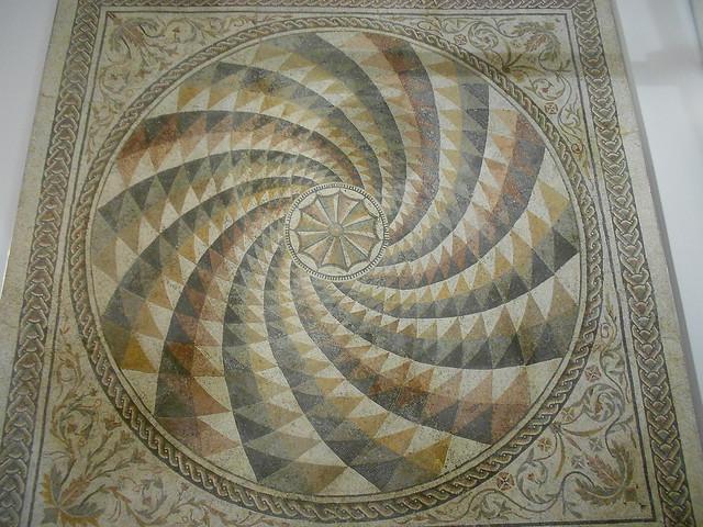 mosaico pavimentale con girandola, Roma
