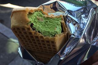 Cherry Blossom Festival - Matcha Monaka ice cream