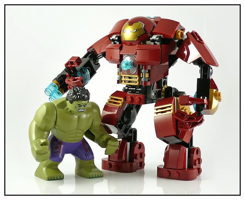 LEGO 76031 The Hulk Buster Smash 14