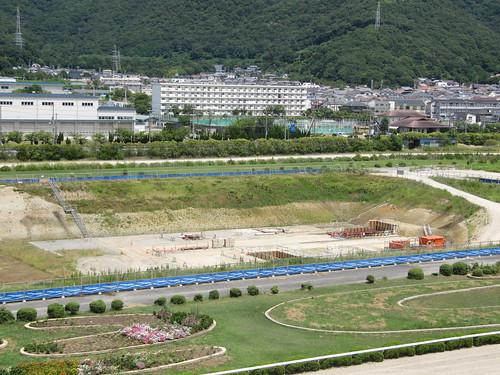 姫路競馬場調整池の掘削の様子