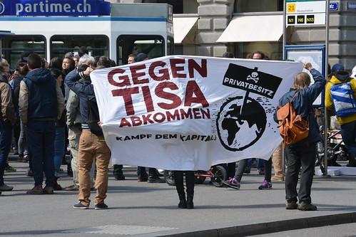 Demonstration gegen TiSA, Paradeplatz Zürich