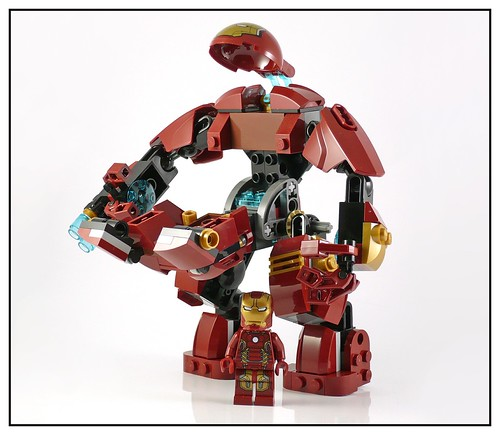 LEGO 76031 The Hulk Buster Smash 16