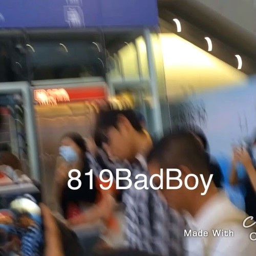 TOP-HongKongAirport-26sep2014-Fansite-819BadBoy-02