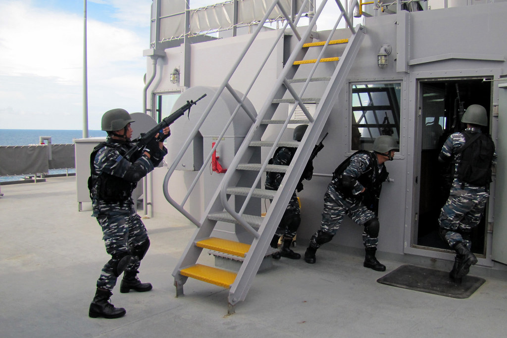 SINGAPORE - The 15th annual Southeast Asia Cooperation and Training (SEACAT) exercise commenced at the Republic of Singapore Navy's Multinational Operations and Exercises Centre (MOEC) Aug 22.
