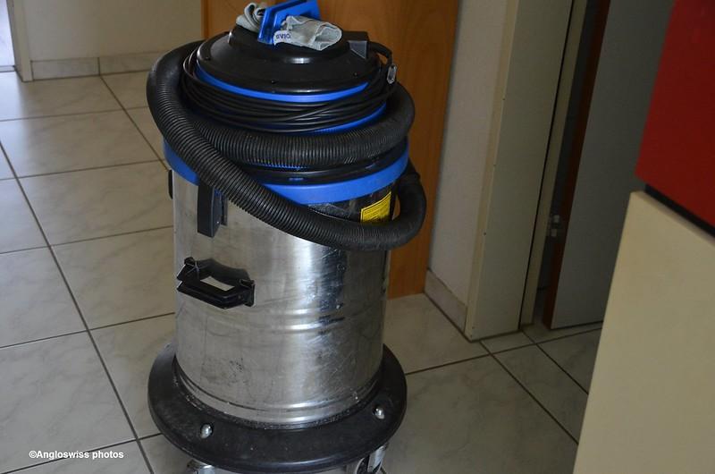 drainage vacuum cleaner