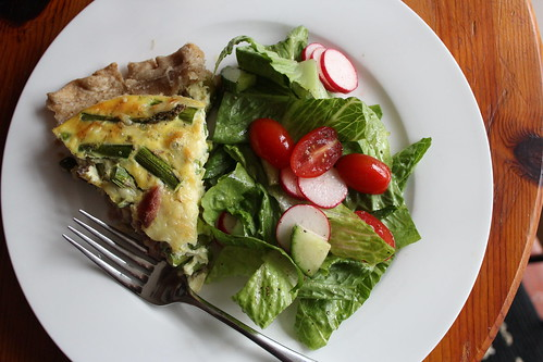 Ham and Asparagus Quiche :: coppertopkitchen.blogspot.com