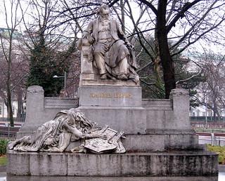 Image of Johannes Brahms. vienna wien sculpture rain stone austria österreich monuments composers memorials karlsplatz resselpark johannesbrahms hunkypunk spencermeans rudolfvonweyr