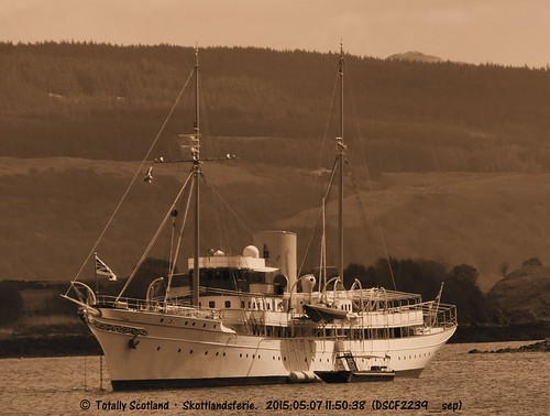 Nahlin in Tobermory again 4/4