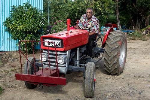 tractor fiji canon eos mba vitilevu 1785mm 1785 efs1785mmf456isusm efs1785 apsc 7d2 unlimitedphotos 7dmarkii canon7dmarkii rarawai 7dmarkiiba fijiislandsvitilevu