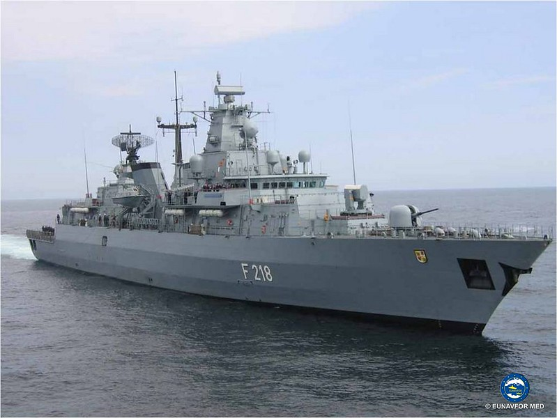 German mine hunter FGS Datteln handsover to the German frigate FGS Mecklenburg-Vorpommern – EUNAVFOR MED