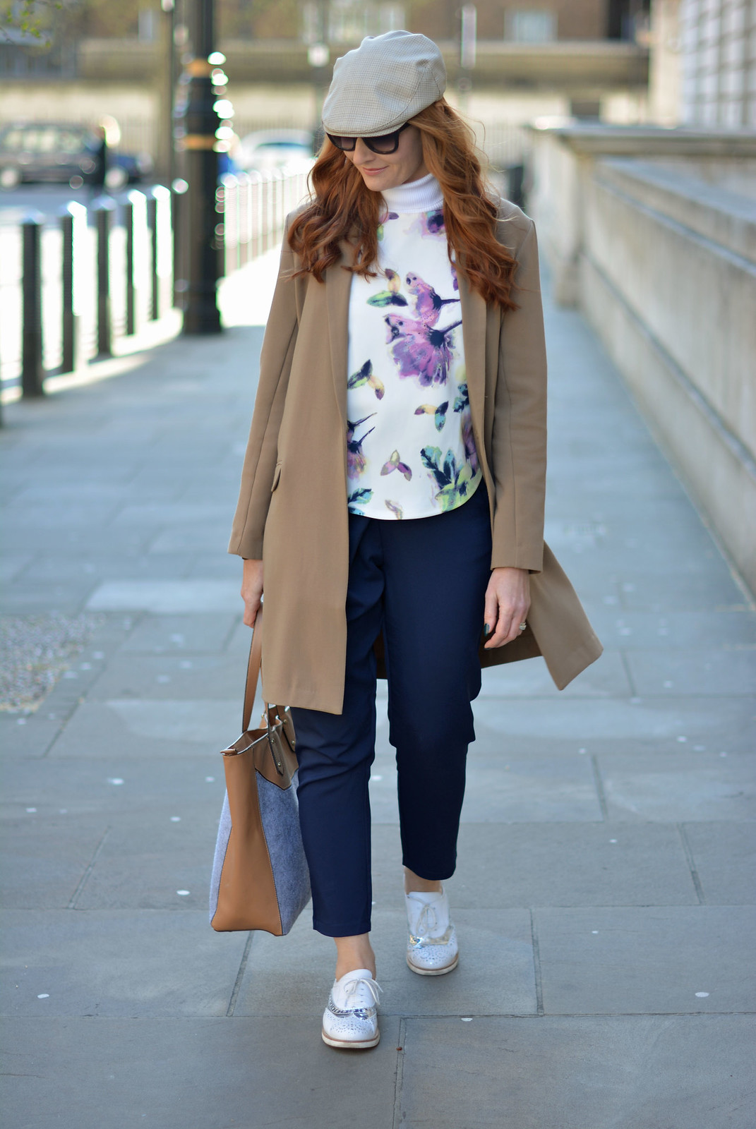 Comfy sightseeing outfit: Longline blazer, layers, navy trousers, white brogues