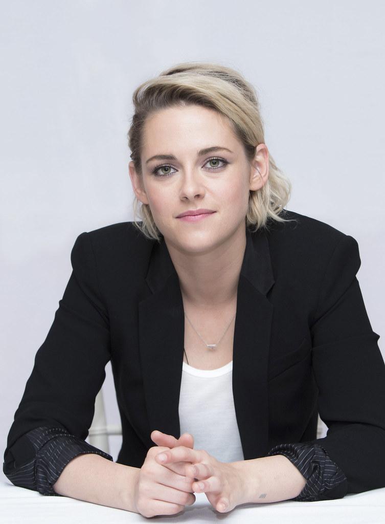 Кристен Стюарт — Пресс-конференция «Cafe Society» 2016 – 76
