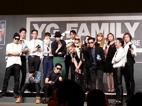 YGFamilyConcert-Press-Con-Singapore-20140912(19)