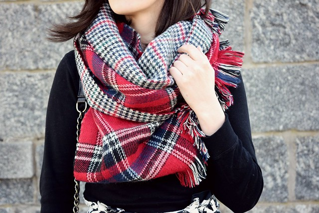 The tartan scarf by Natbeesfashion, UK fashion blogger