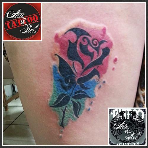 #rosa #acuarela #coverup #pierna #tattooarteypiel #tatuajes #artisticos #leviathoth #isaaccelis #aguascalientes #mexico #tattooink #tattooart #tattooist #tattoo