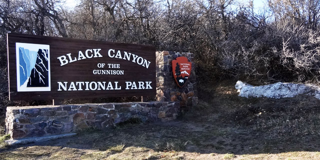 black-gunnison-national-park welcome sign