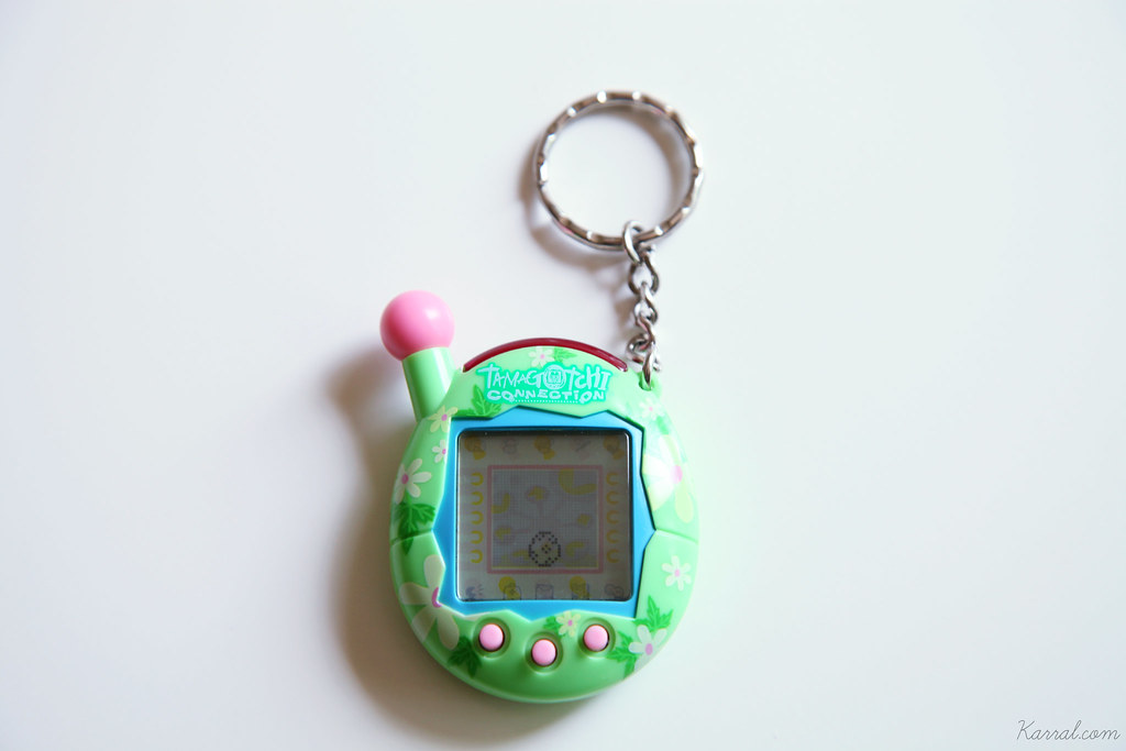 Tamagotchi Connection V4 green pink blue floral egg