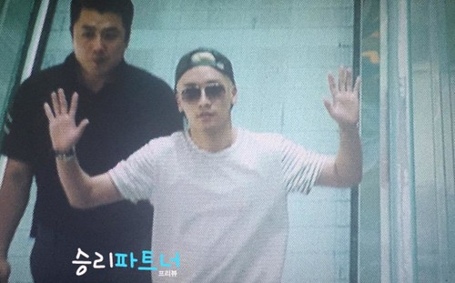 Big Bang - Incheon Airport - 29may2015 - Seung Ri - Partnervi - 03