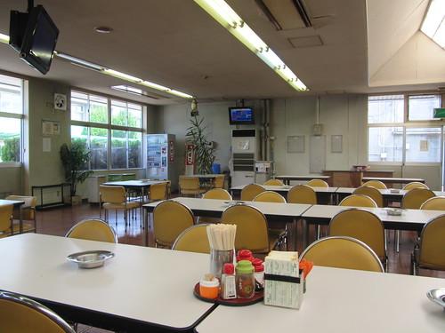 姫路競馬場の食堂棟