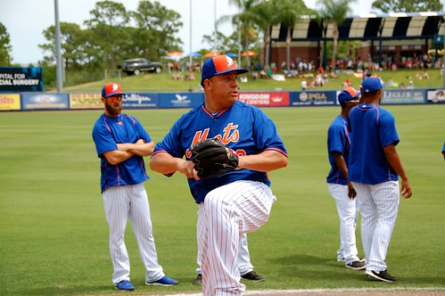 Bartolo Colon warming up