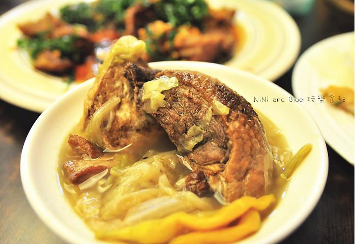 17927676870 d4c24b753e b - 李蕃薯担仔麵,一碗台南担仔麵,傳承一世人的回憶,桂蒜香酥鴨,美味萬壽公園對面