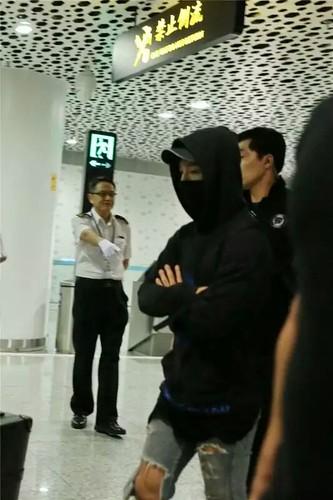more BIGBANG arrival Shenzhen 2015-08-07 (27)