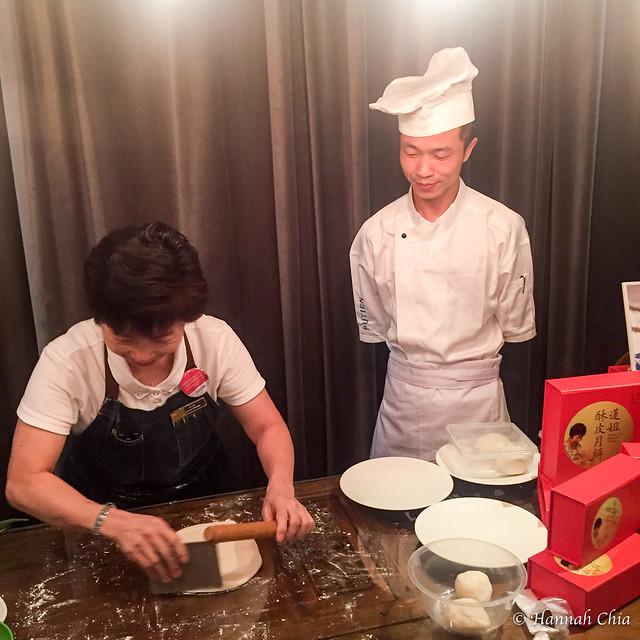 Putien Madam Leng Mooncakes (2 of 5)
