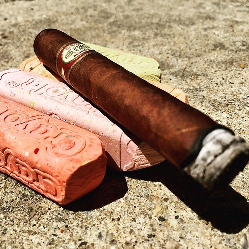 A little action by @illusione_cigars