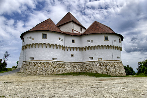 veliki tabor croatia dvorac castle architecture outdoor building old