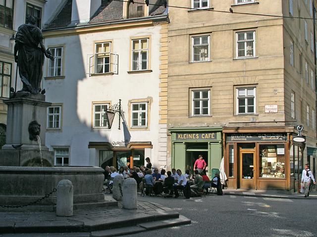Franziskanerplatz, Kleines Cafe