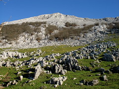 Frente a la sierra de Aizkorri