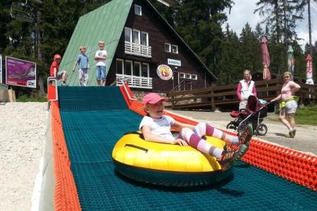 Léto na šumavském Špičáku potěší hlavně děti